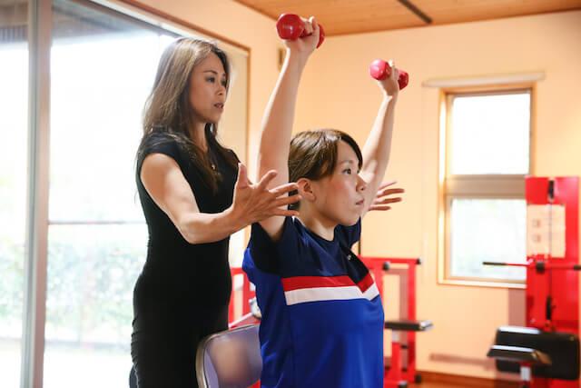 ボディフィットネスの元日本チャンピオンだからこそ知っている正しい筋トレのフォームや体の作り方